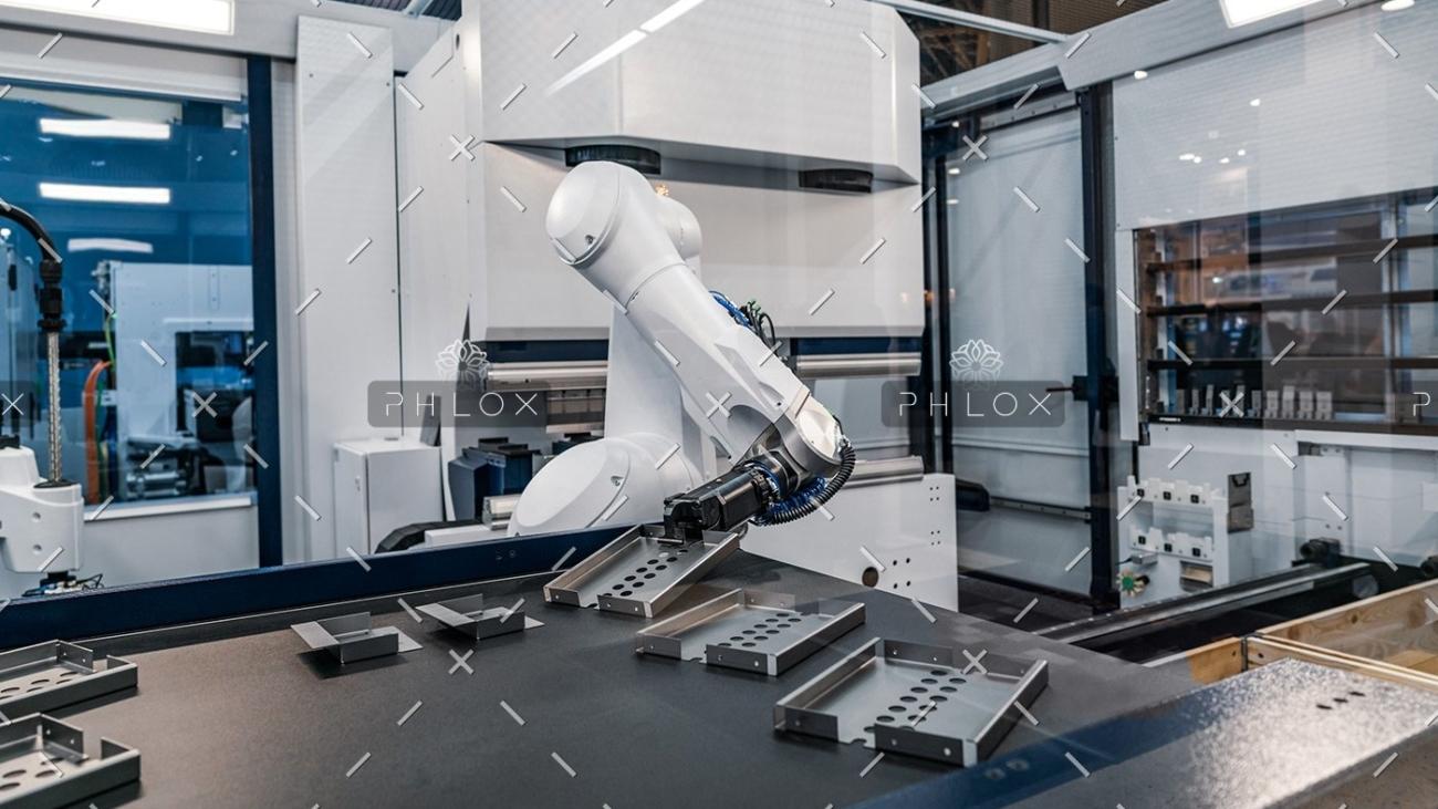 demo-attachment-110-robotic-arm-modern-industrial-technology-DUCYZJ7